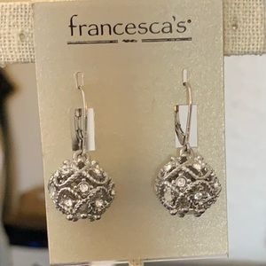🍁Dangly Francescas earrings🍁